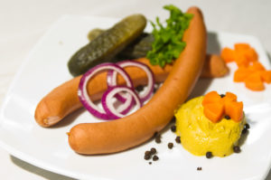 Swiss Deli Continental Frankfurter is a traditional German wiener sausage prepared from beef and pork. It has a unique aromatic flavour with a tint of smoke