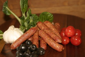 Swiss Deli Olive SNACKIES are gourmet bite-size salami. Inspired by the finest European recipes, these miniature salami sausages burst with rich flavours.